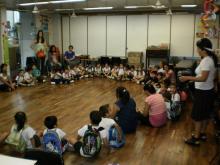 Imagen que representa una actividad en la sala infantil